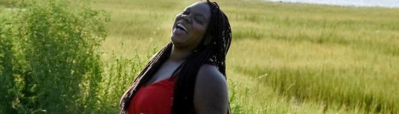 MéShelle Fae – author poet mentor